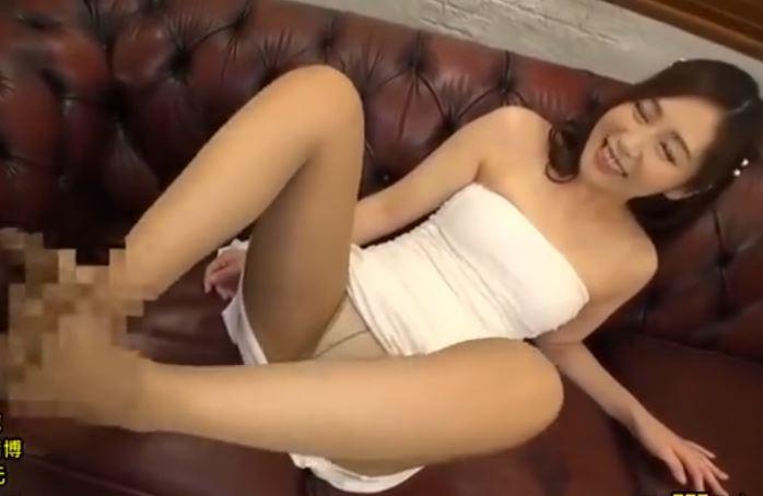 人妻パンスト足コキ動画